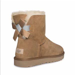 UGG Bailey Bow Mini Boots tan Women's 10